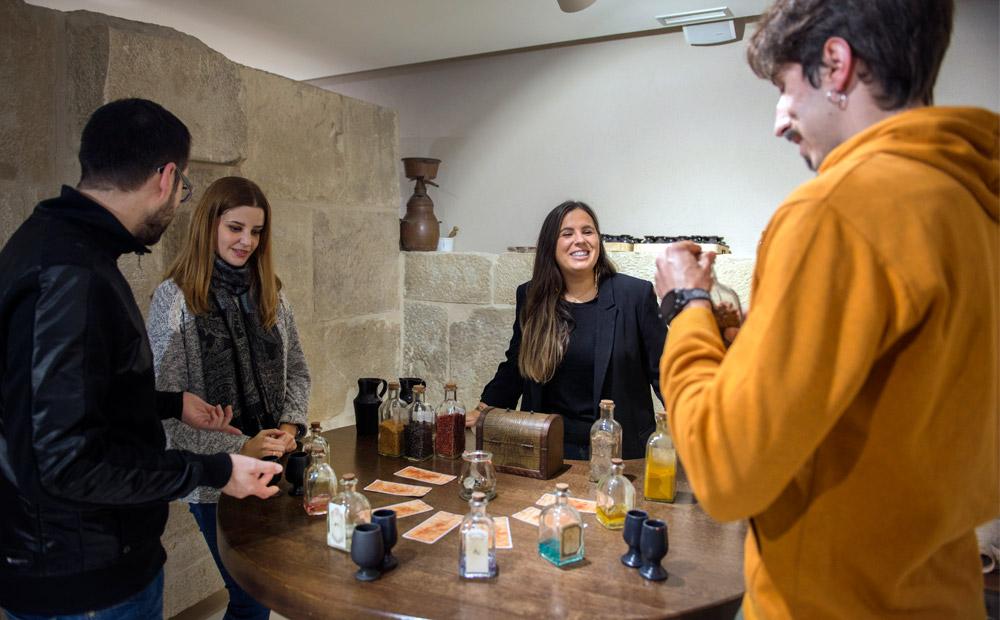 Ruta-del-Vino-de-Rioja-Alta-Enoturismo-Viaje-con-amigos-01