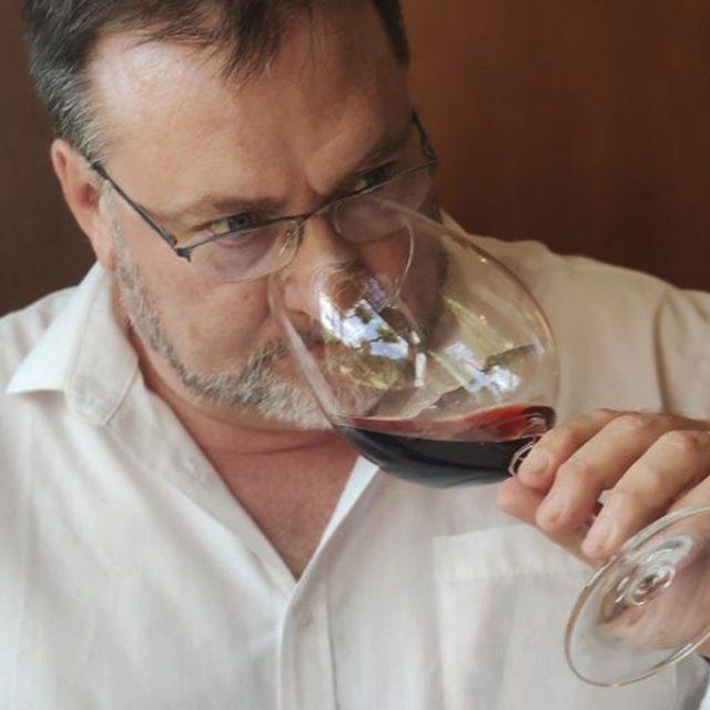 Wine Tour Con Alma de Autor en Bodegas Tobía