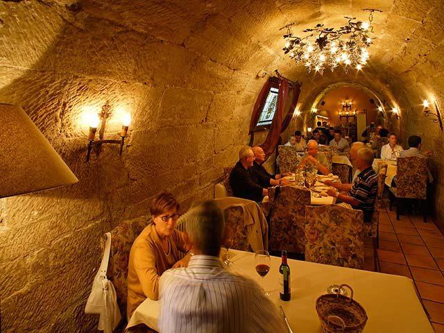 Los Calaos de Briones Restaurant